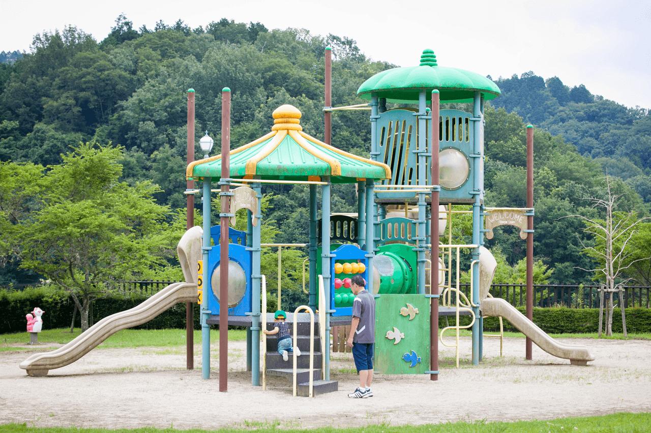 四季桜公園の遊具①